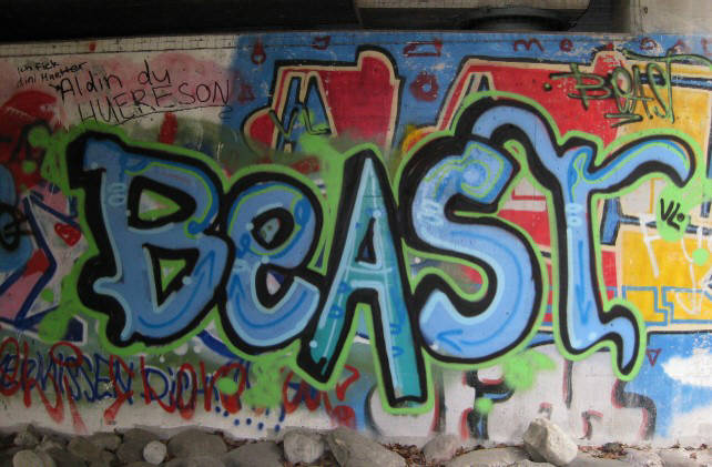 BEAST graffiti z�rich