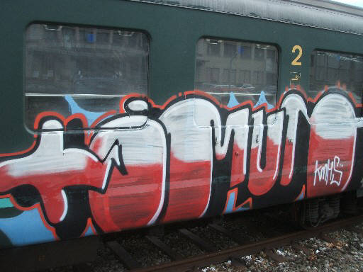 whole SBB car train graffiti zürich
