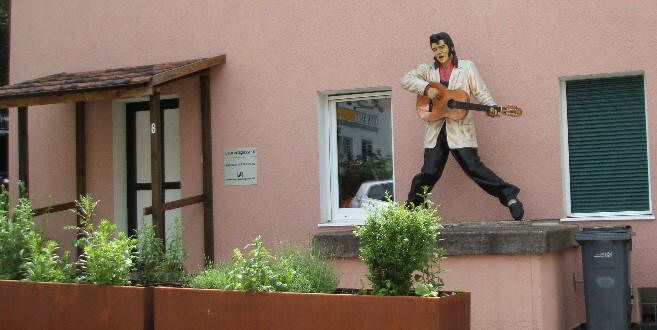 ELVIS PRESLEY STATUE IN ZURICH SWITZERLAND just off Nordstrasse